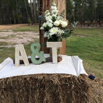 gladstone wedding flowers rustic